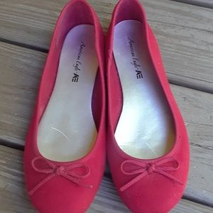 AMERICAN EAGLE RED BOW FLATS 9